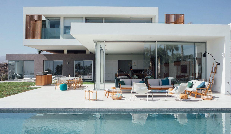 luxury-custom-villas-pool
