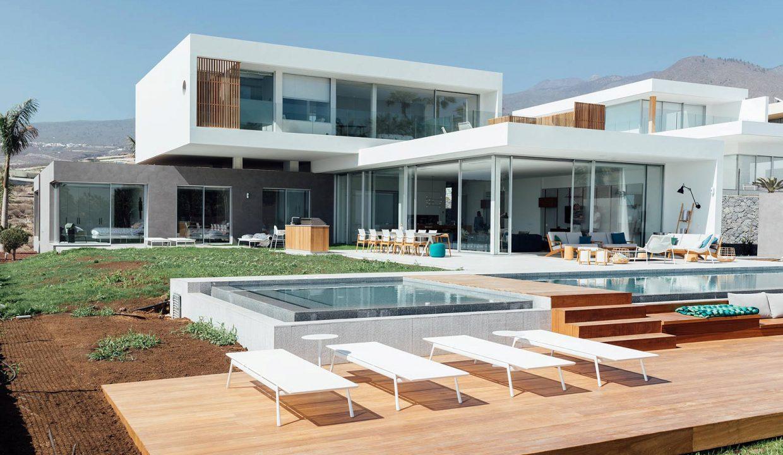 luxury-custom-villas-tenerife-terrace-w1600